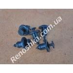 Клипса для крепления обшивки капота, решетки радиатора, крепления бампера ( 8 mm ), цена за 1 штуку.
