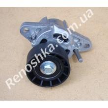 Ролик ручейкового ремня ( с натяжным механизмом ) на машину с кондиционером! для RENAULT LOGAN 1.4 K7J 710 75 л.с.